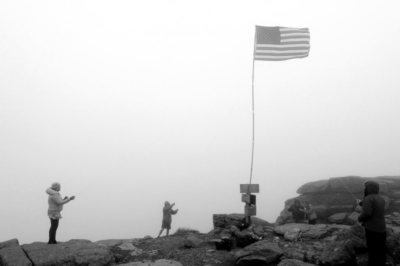 Mt_Lafayette_Flags_48_2017_1_black_and_white